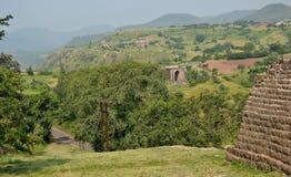 Paysage de Mandav avec la porte d'Alamgir Photo libre de droits