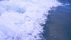 Paysage de marée d'océan Vagues de mousse de l'eau Vague d'éclaboussure d'océan de point de vue banque de vidéos