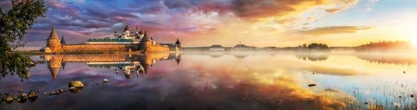 Paysage de matin au lac saint Photo libre de droits