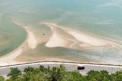 Paysage de mer et de route le long de la mer en Thaïlande Photo stock
