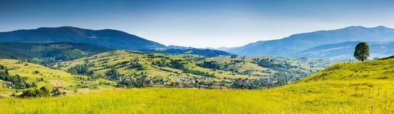 Paysage de montagne. photo stock