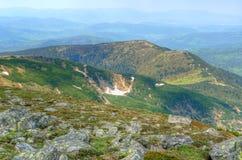 Paysage de montagne au printemps Photos libres de droits