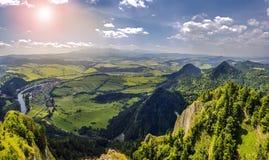 Paysage de montagne avec des montagnes de Tatra à l'arrière-plan Photo libre de droits