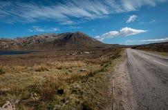 Paysage de montagne avec des nuages image libre de droits