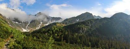 Paysage de montagne dans haut Tatras après pluie Photographie stock libre de droits