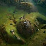 Paysage de montagne dans le matin d'automne - Fundatura Ponorului, Roumanie photos stock