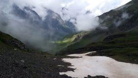 Paysage de montagne dans les hauts Pyrénées photographie stock libre de droits