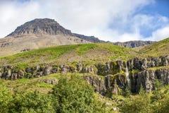 Paysage de montagne de roche en Islande Photographie stock libre de droits