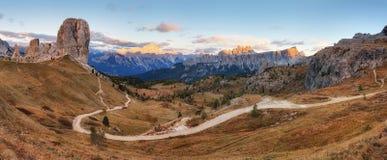 Paysage de montagne de dolomites, alpe de l'Italie image libre de droits