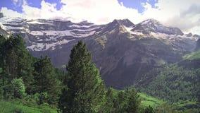 Paysage de montagne du cirque de Gavarnie, hauts Pyrénées photographie stock