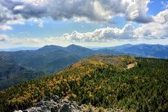 Paysage de montagne et de collines Photos stock