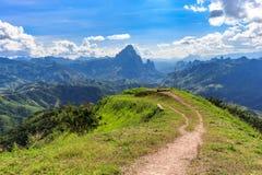 Paysage de montagne et de route chez Phou Khoun, Laos Images libres de droits