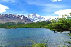 Paysage de montagne de Fitz Roy avec Laguna Capri, Chalten, Argentine Image libre de droits