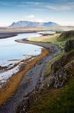 Paysage de montagne par la mer Photographie stock