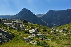 Paysage de montagne de Rila près des sept lacs Rila, Bulgarie Photographie stock libre de droits