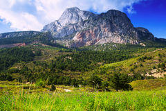 Paysage de montagnes avec le bâti rocheux Photo libre de droits