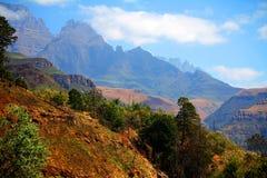 Paysage de montagnes de dragon de Drakensberg Photographie stock libre de droits