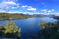Paysage de montagnes de lac Photographie stock