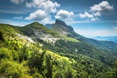 Paysage de montagnes de Pyrénées en été Huesca, Agaron Image libre de droits