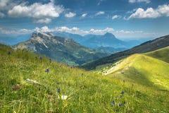 Paysage de montagnes de Pyrénées en été Huesca, Agaron Photos libres de droits