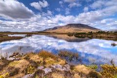 Paysage de montagnes et de lac de Connemara Images libres de droits
