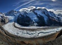 Paysage de Monte Rosa de glacier alpin et de Dufourspitze le plus haut Images stock