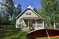 Paysage de nature de maison d'été de la Finlande Photographie stock
