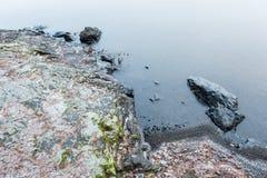 Paysage de nature de rivage de lac winter image stock