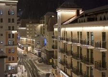 Paysage de nuit avec la neige en Rose Valley Photos stock