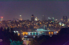 Paysage de nuit d'Istanbul Photos libres de droits