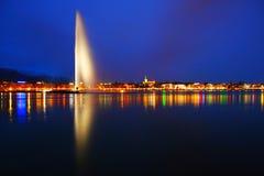 paysage de nuit de Genève Photographie stock libre de droits