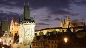 Paysage de nuit de Prague photographie stock libre de droits