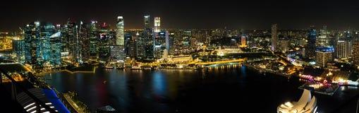 Paysage de nuit de Singapour photographie stock libre de droits
