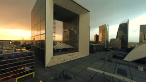 Paysage de nuit de ville des bâtiments modernes d'affaires clips vidéos
