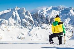 Paysage de observation d'alpiniste Photos libres de droits
