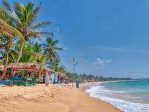 Paysage de plage à la plage de Hikkaduwa Photographie stock libre de droits