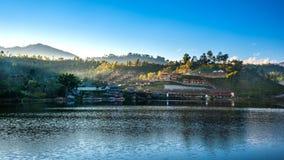Paysage de point de repère de village thaïlandais de Rak en Mae Hong Son, T photo stock