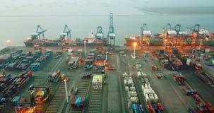Paysage de port de récipient de Tanjung Priok banque de vidéos