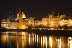 paysage de Prague de nuit Photographie stock libre de droits