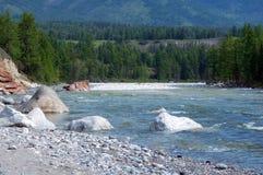 Paysage de rivière de montagne Photos libres de droits