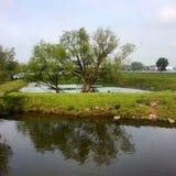 Paysage de sluis de steiger de lucht de l'eau photographie stock