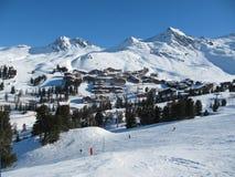 Paysage de station de sports d'hiver de Belle Plagne Photo stock