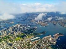 Paysage de Sydney Harbour Aerial Photographie stock libre de droits