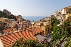 Paysage de village de Riomaggiore Photo stock