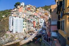 Paysage de village de Riomaggiore Image stock