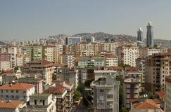 Paysage de ville avec différents bâtiments de couleurs Images libres de droits