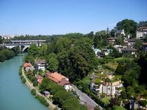 Paysage de ville de Berne avec le Suisse de rivière d'Aare, Berne Images libres de droits