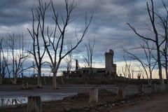 Paysage de ville fantôme d'Epecuen Images stock