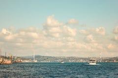 Paysage de ville, mer, ciel Istanbul, Turquie Photographie stock libre de droits
