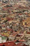 Paysage des maisons colorées dans Napoli Images stock